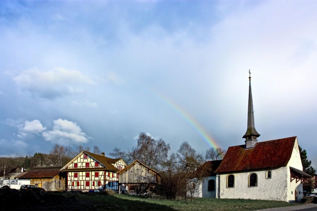Geuensee Sternen Kapelle mit Regenbogen
